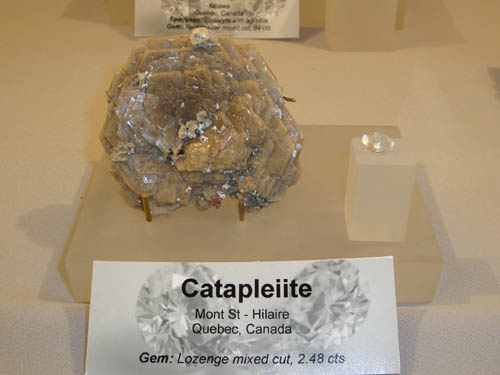 rough and cut Catapleiite