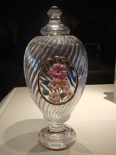 Carved Quartz vase with flowers