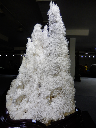10 foot tall Aragonite specimen