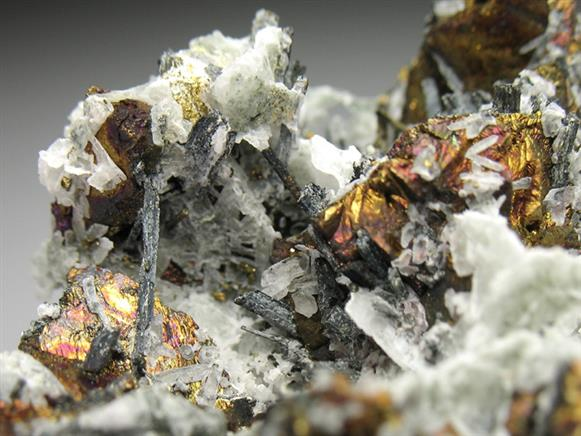 Bismuthinite and Chalcopyrite