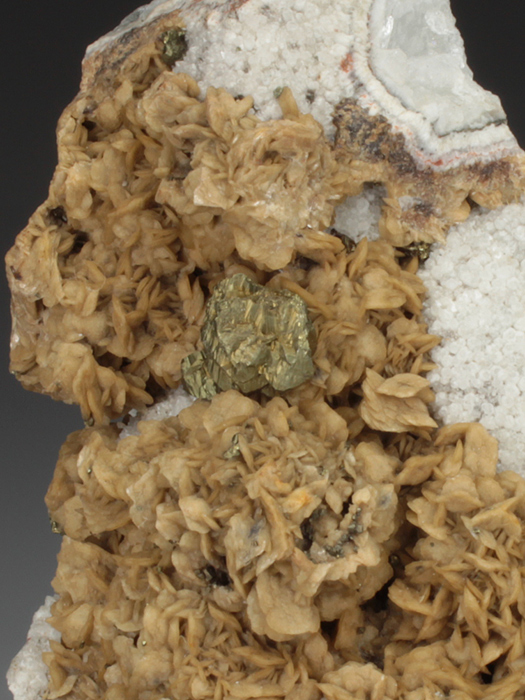 Chalcopyrite on Siderite and Quartz