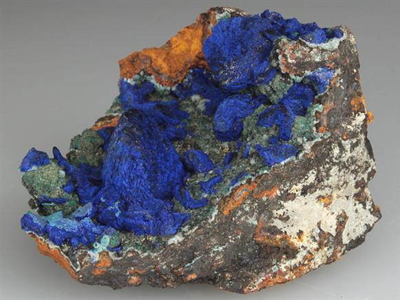 Azurite on Goethite After Calcite