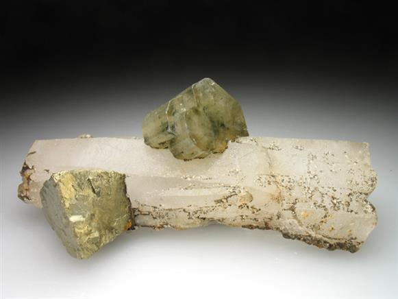 Chalcopyrite and Apatite on Quartz