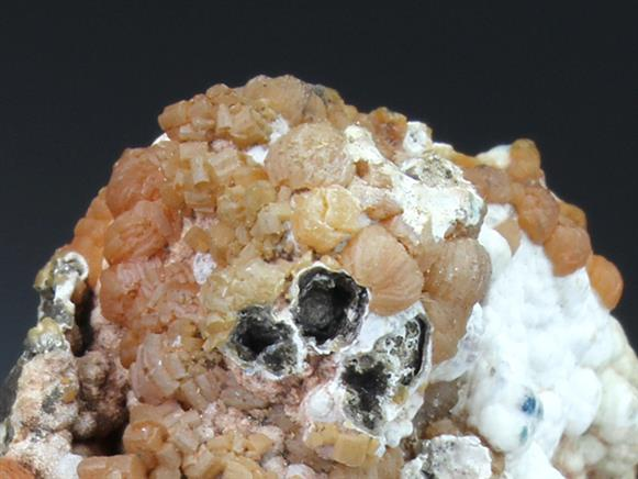 Vanadinite on Phosphohedyphane