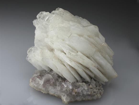 Baryte on Fluorite and Calcite