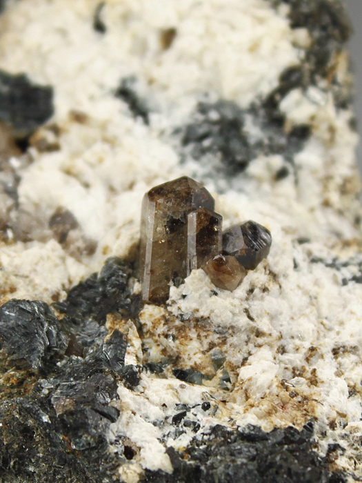 Hsianghualite With Cassiterite, Mica and Fluorite