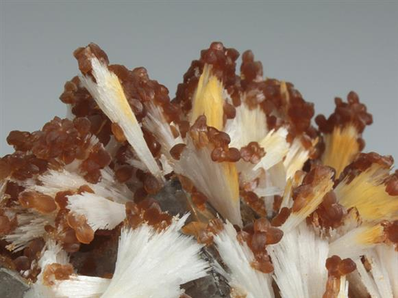 Smithsonite on Celestine