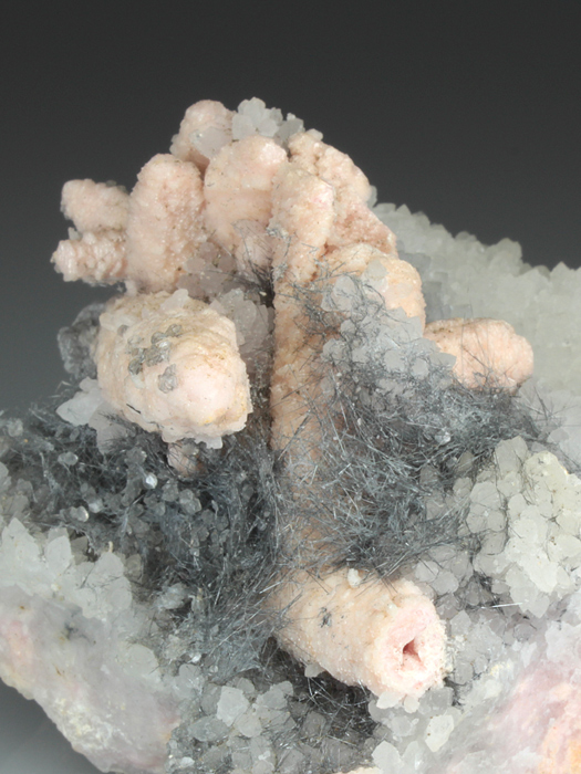 Boulangerite on Rhodochrosite and Quartz