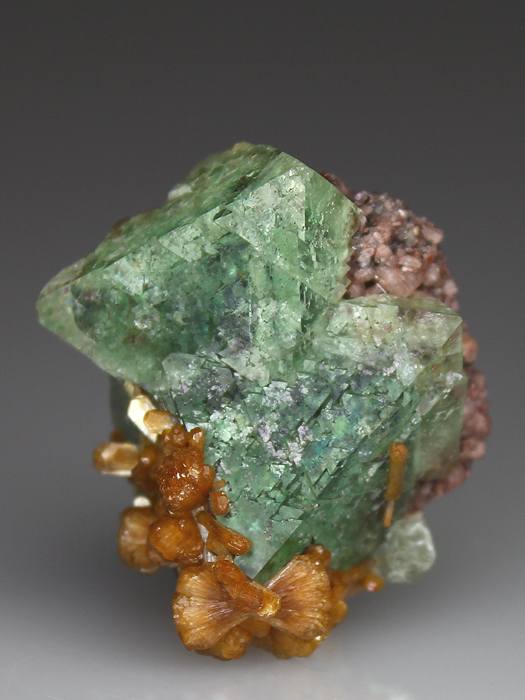 Stilbite on Fluorite