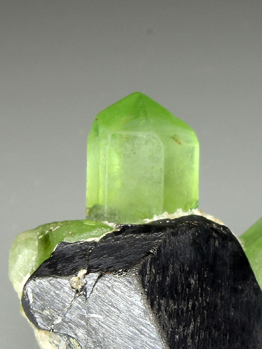 Forsterite Var Peridot With Magnetite
