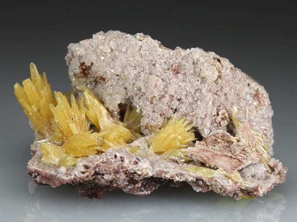 Mimetite on Dolomite
