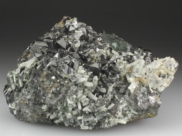 Sphalerite With Quartz and Chlorite