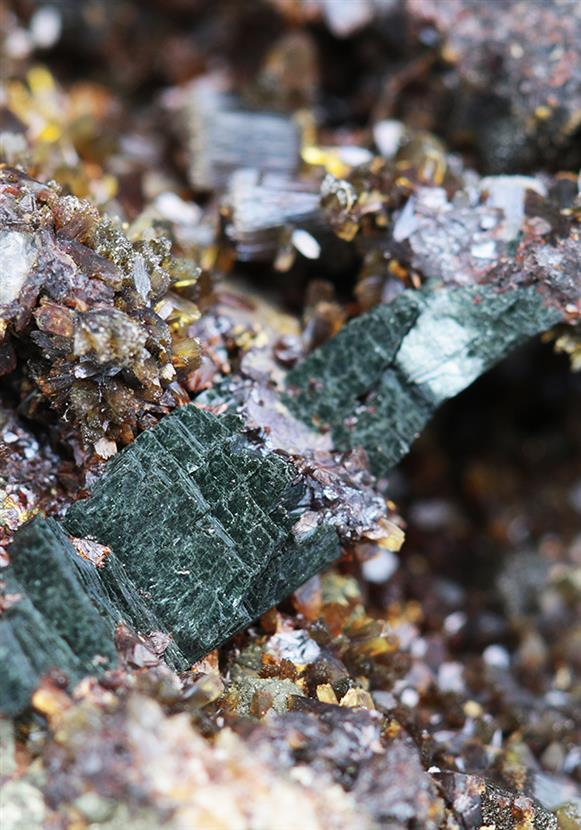 Vivianite on Siderite