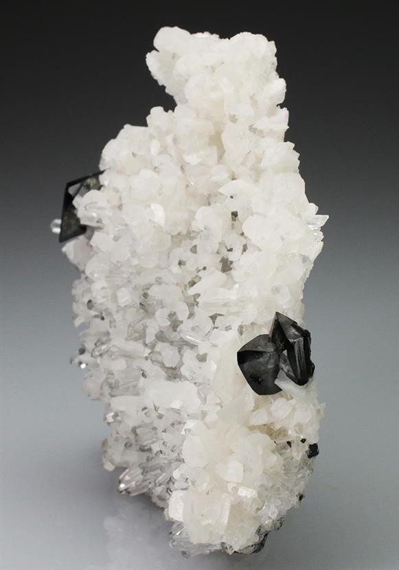 Scheelite on Quartz With Calcite