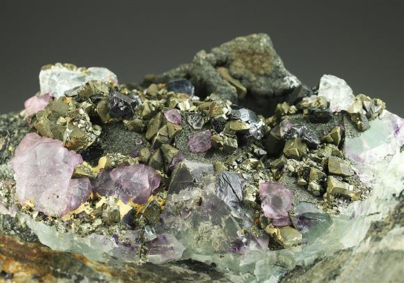 Fluorite With Chalcopyrite and Sphalerite