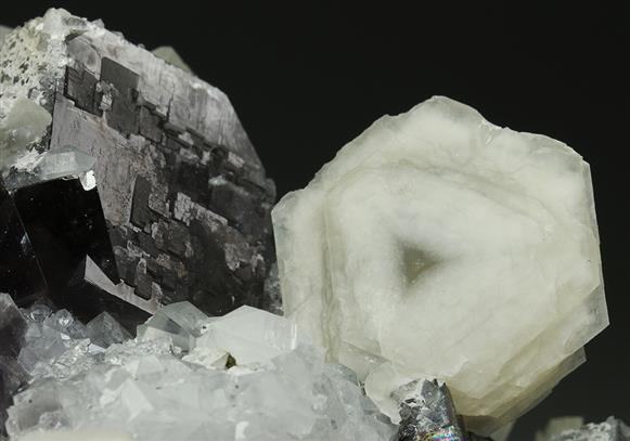 Fluorite, Calcite and Quartz