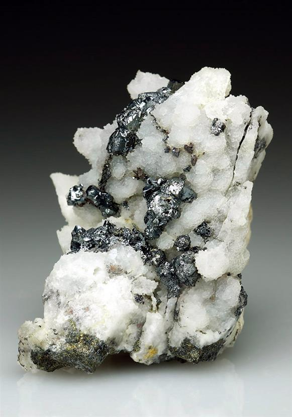 Pyrargyrite on Quartz