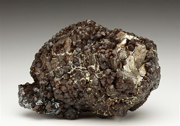 Siderite on Pyrrhotite