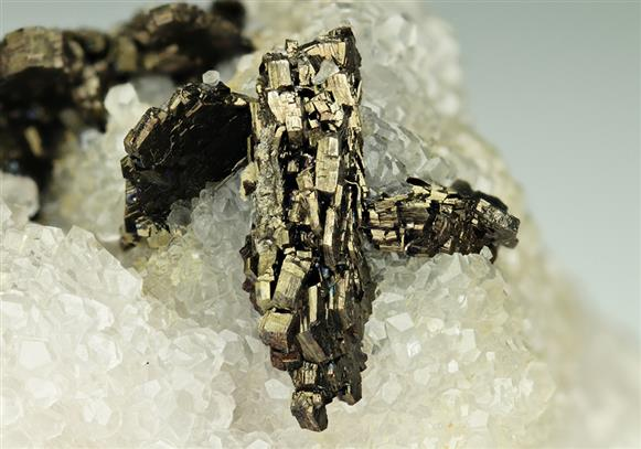 Pyrrhotite on Quartz