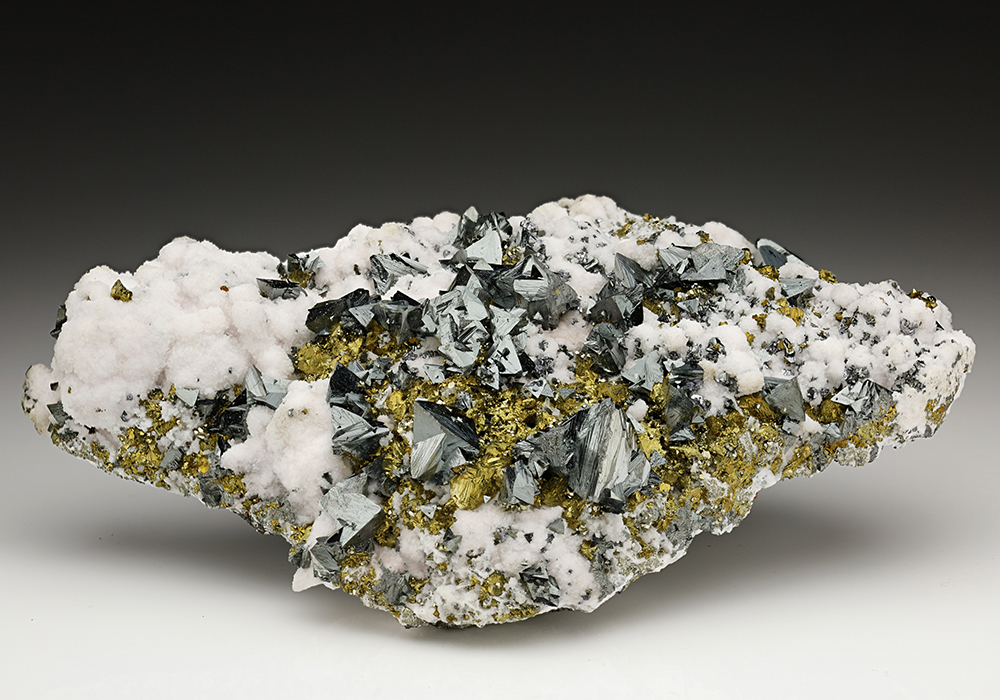 Tetrahedrite with Chalcopyrite and Calcite
