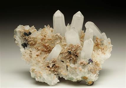 Quartz with Siderite Ferberite and Chalcopyrite