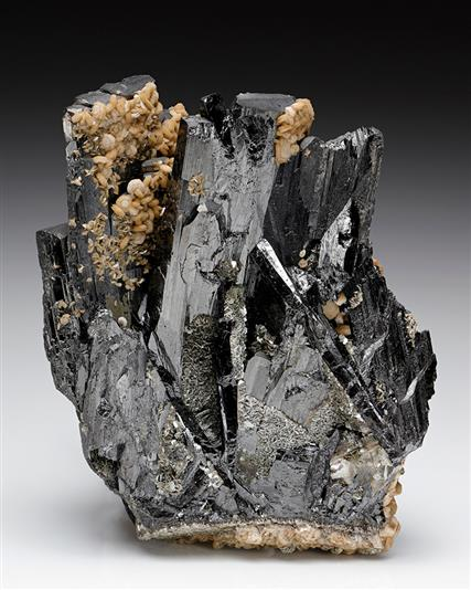 Ferberite with Siderite