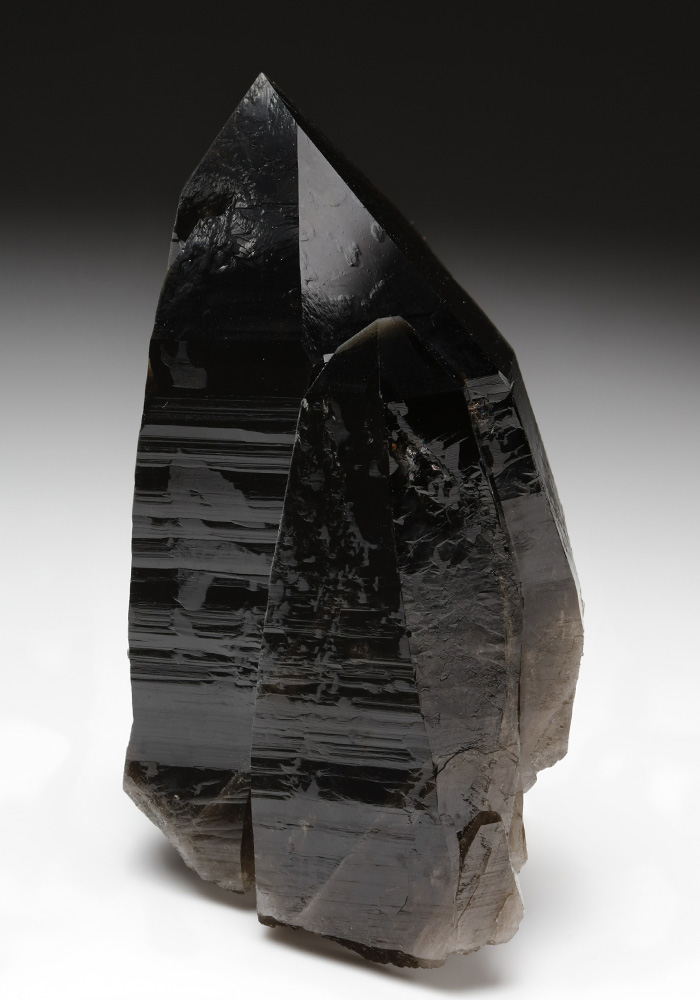 Facts About Smoky Quartz: Meanings, Properties, and Benefits