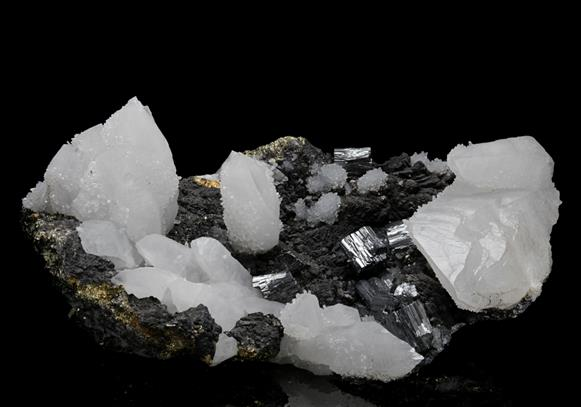 Bournonite with Quartz on Chalcopyrite