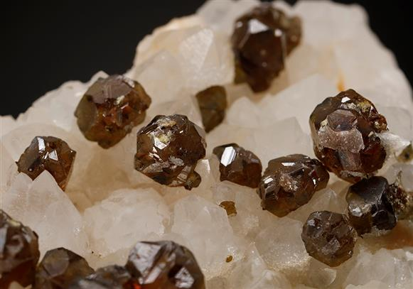 Sphalerite on Quartz