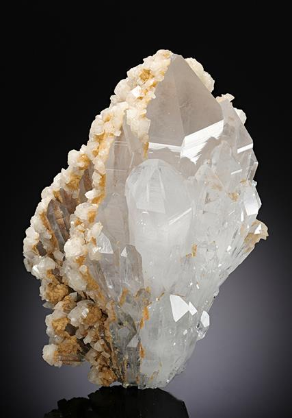 Quartz with Dolomite and Siderite