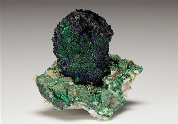 Malachite psudomorph partly after Azurite
