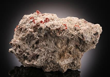 Zincite with Sussexite, Alleghanyite and Gahnite