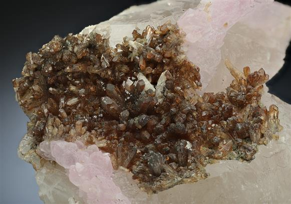 Rose Quartz with Eosphorite