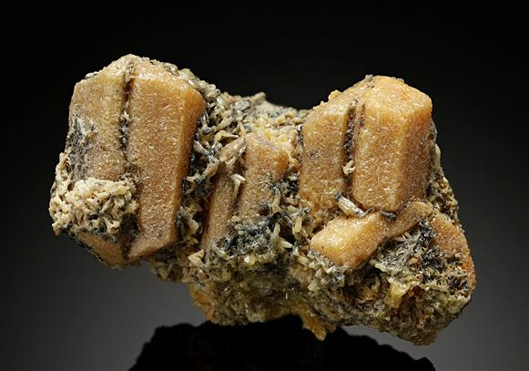 Mimetite after Cerussite