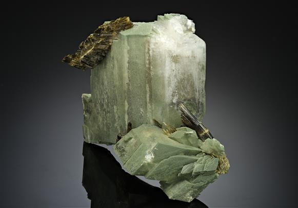Adularia with Epidote