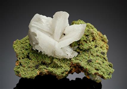 Cerussite on Duftite