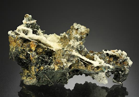 Bismuthinite with Chalcopyrite