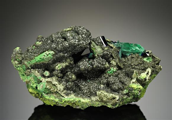 Olivenite with Gartrellite after Mimetite