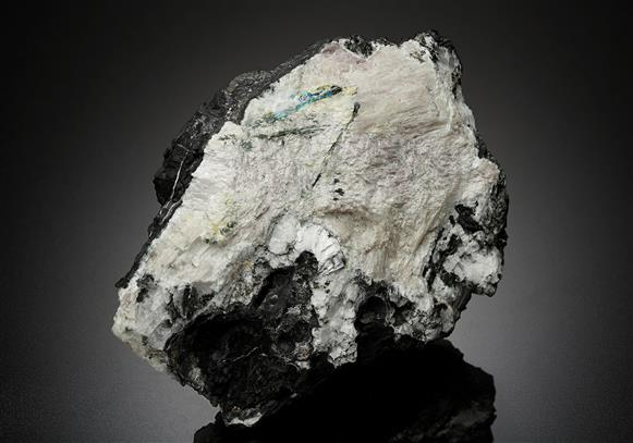 Mendipite with Chloroxiphite, Diaboleite and Paralaurionite