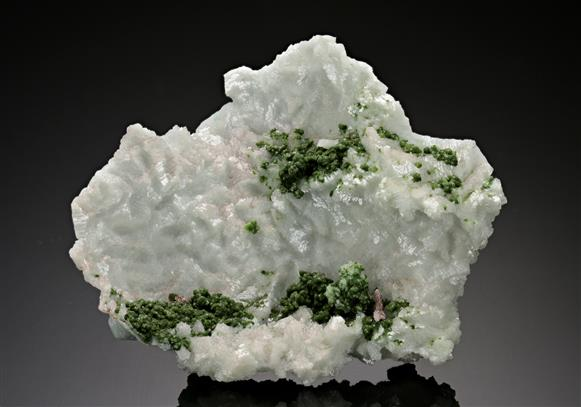 Dolomite cast after Calcite with Duftite