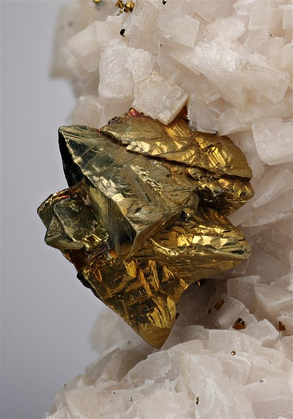 Pyrite with Chalcopyrite