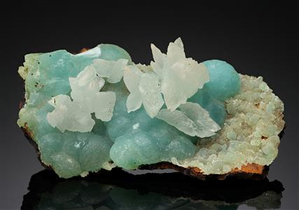 Cuprian Smithsonite with Cuprian Adamite and Calcite