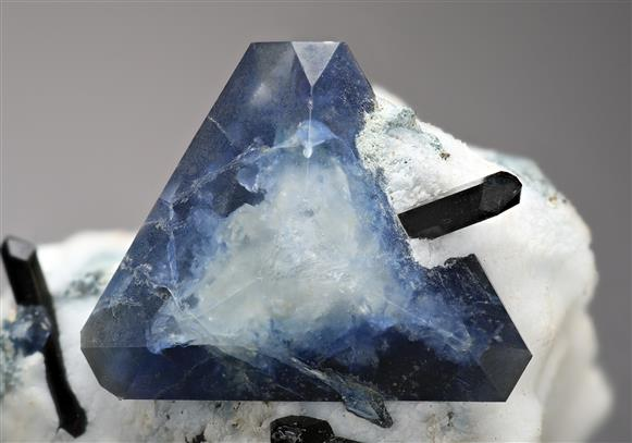 Benitoite with Neptunite on Natrolite