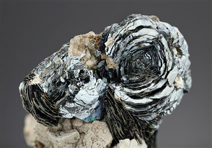 Hematite on Albite
