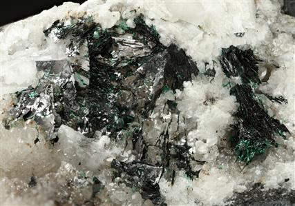 Crednerite with Malachite on Calcite