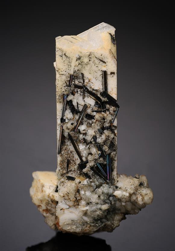 Epidote on Orthoclase