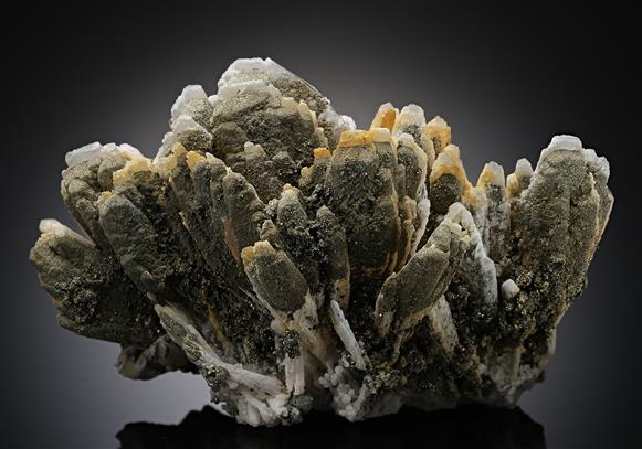 Manganoan Calcite with Pyrite