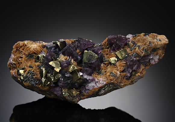 Chalcopyrite with Fluorite on Siderite