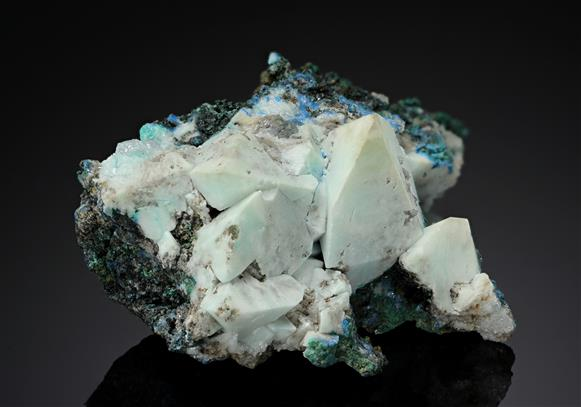 Hydrocerussite on Anglesite with Linarite