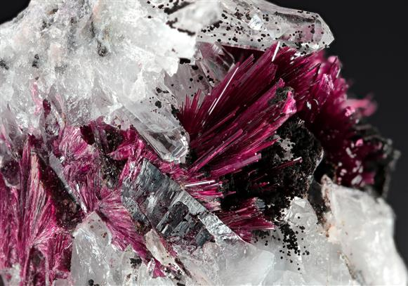 Erythrite with Quartz